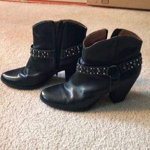 Soffit black studded booties size 9.